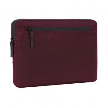 "Sleeve Incase Compact Nylon para MacBook Pro 15"" - Amora"